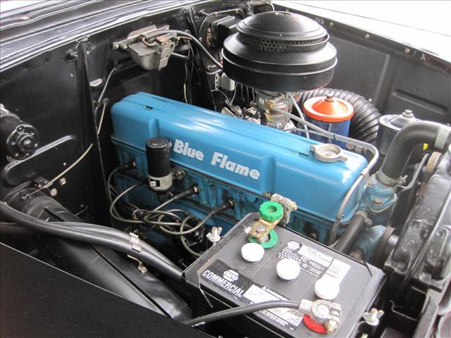 Chevrolet Belair Dr Blk Wht Engine on Chevy 235 6 Cylinder Engines