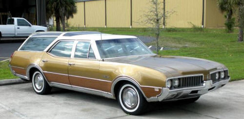 1969%20Oldsmobile%20VistaCruiser-500px.j